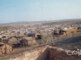معسكر اللاجئين الارتريين فى شمال اثيوبيا مبنى من طين وخشب . (فرجت)