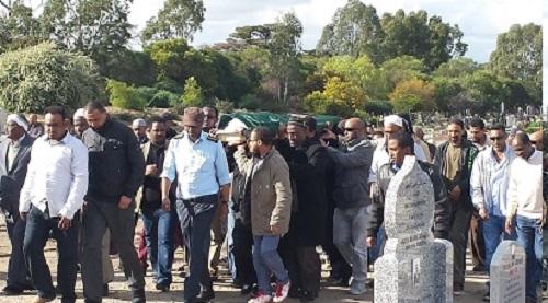 تشييع جنازة الفقيد صالح حمدى إلى مثواه الأخير بمقبرة كوبرج بملبورن (عونا)